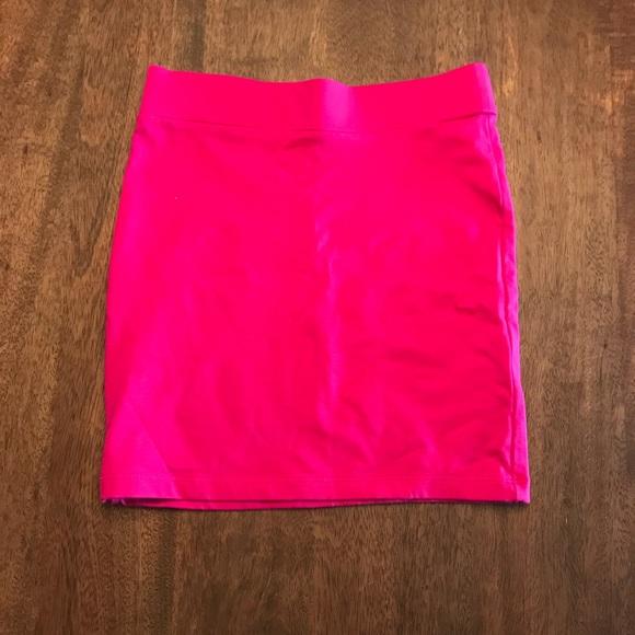 Forever 21 Dresses & Skirts - Hot pink skirt